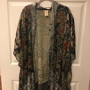 Sweaters - Floral velvet long shrug.